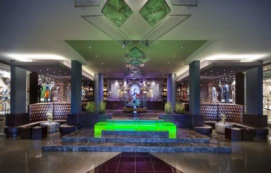 꾸미기_Lobby Entrance.jpg
