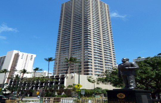 꾸미기_Holiday_Inn_Express_Honolulu_Waikiki_Exterior_2.jpg