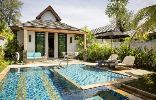 크기변환_csm_kl-bux3-superior-pool-bungalow-pool-1_313d8523c7.jpg