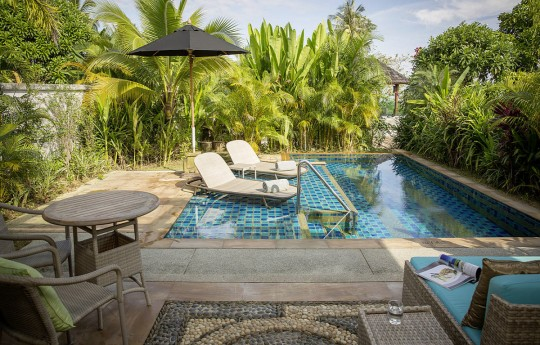 크기변환_csm_kl-bux3-superior-pool-bungalow-pool-8_46eaba743d.jpg